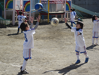 Extracurricular soccer lessons for 5-year-olds